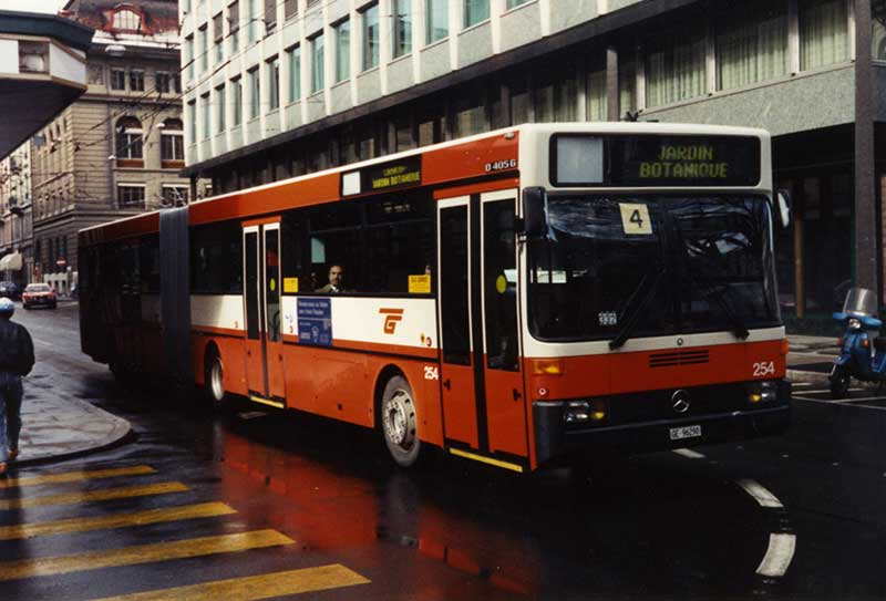 "Mercedes O405G n°254 Rue du Stand 29.02.1988 Source collection ""Diwabus949"""