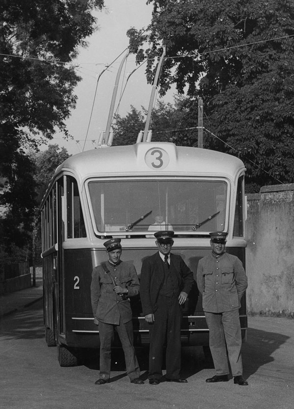 Premier trolleybus le 11.09.1942 - Collection SNOTPG