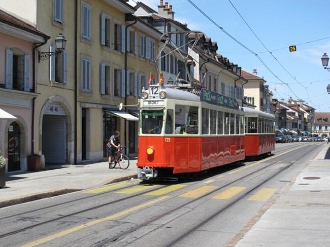 Le convoi 729+308 de l'AGMT à la rue Ancienne à Carouge le 16 juin 2012 à l'occasion des 150 ans du tram.©Diwabus949
