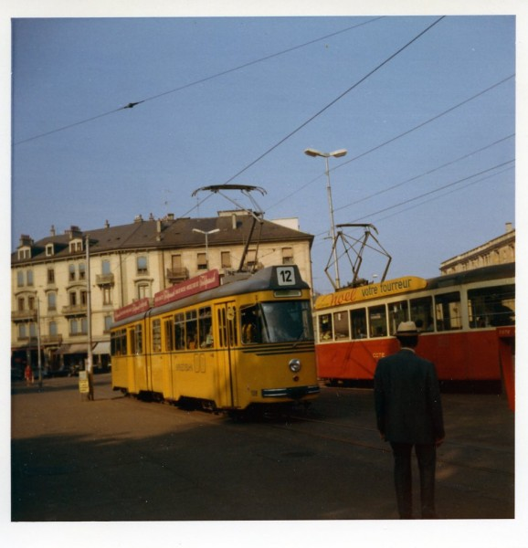 "1972 - Place de Neuve - Motrice de BEB - Collection ""JM Lacreuse"""