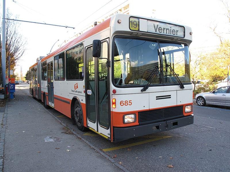 Trolleybus NAW sur la ligne 19 du côté de Vernier - Collection Diwabus949