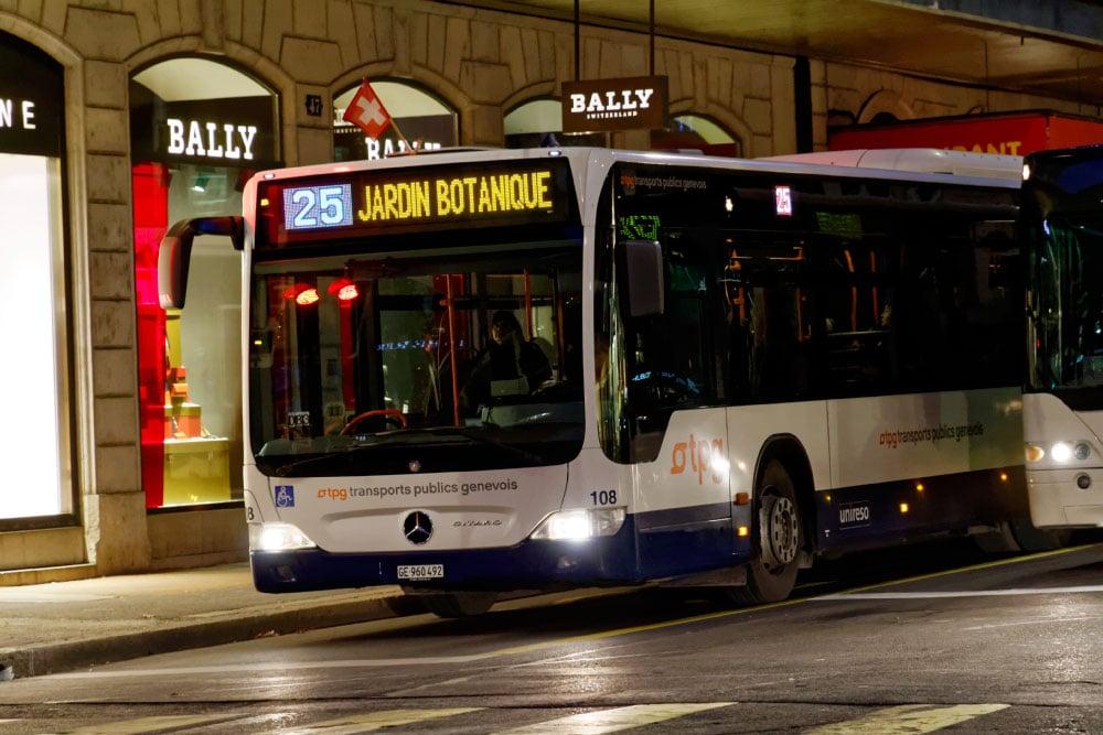 Autobus CITARO n° 108 le 11 décembre 2012