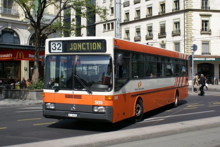 Autobus Mercedes O405 loué au tpg par Genève Tours sur la ligne 32 en 2008 Photographie André Knoerr